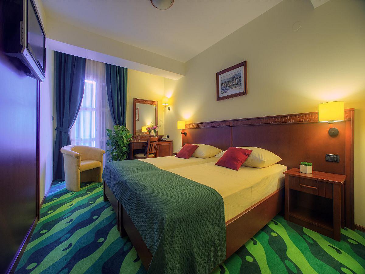 Doppelzimmer - single use, bed & breakfast