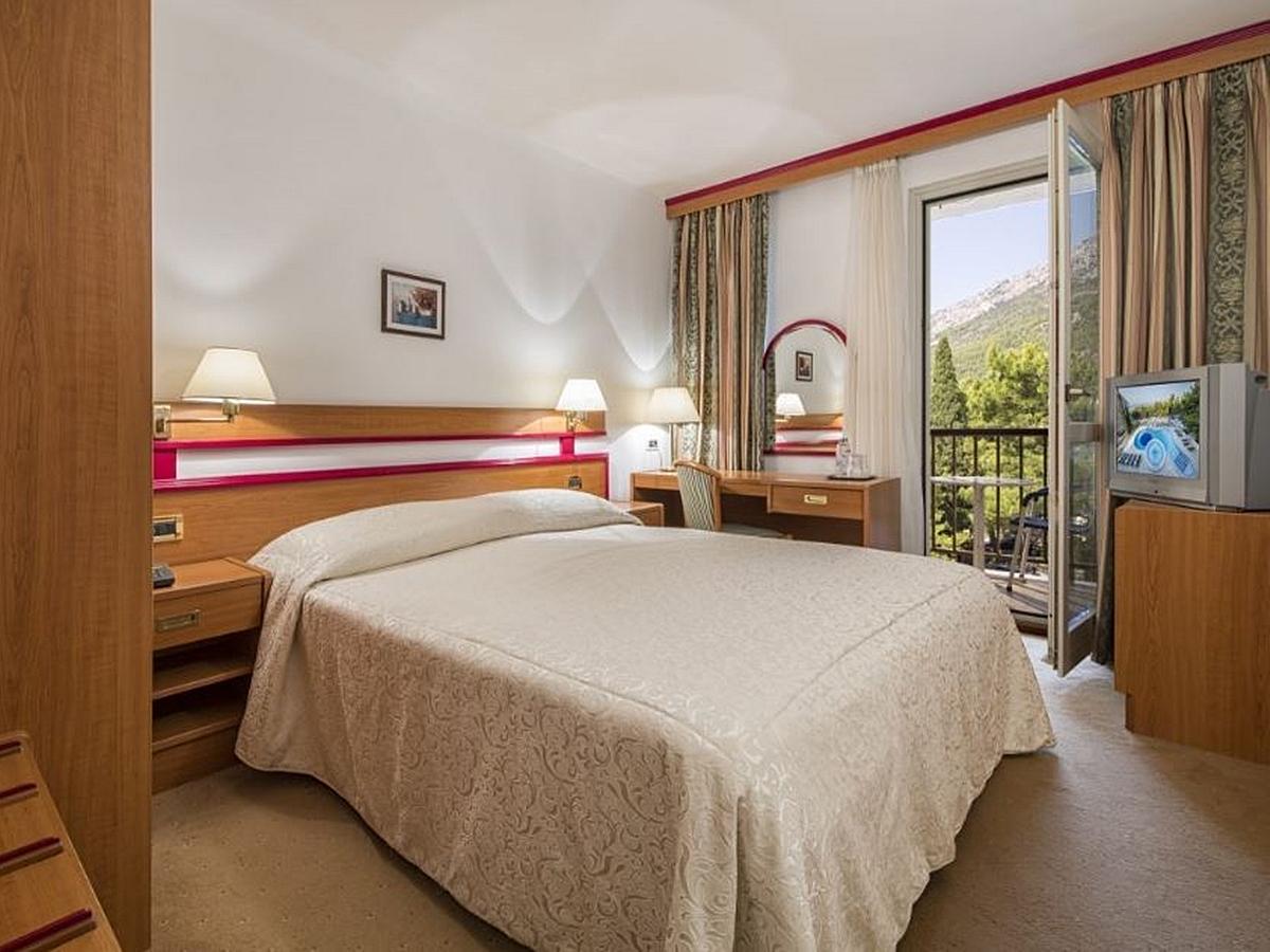 Dvoulůžkový standard pokoj balkón s polopenzí