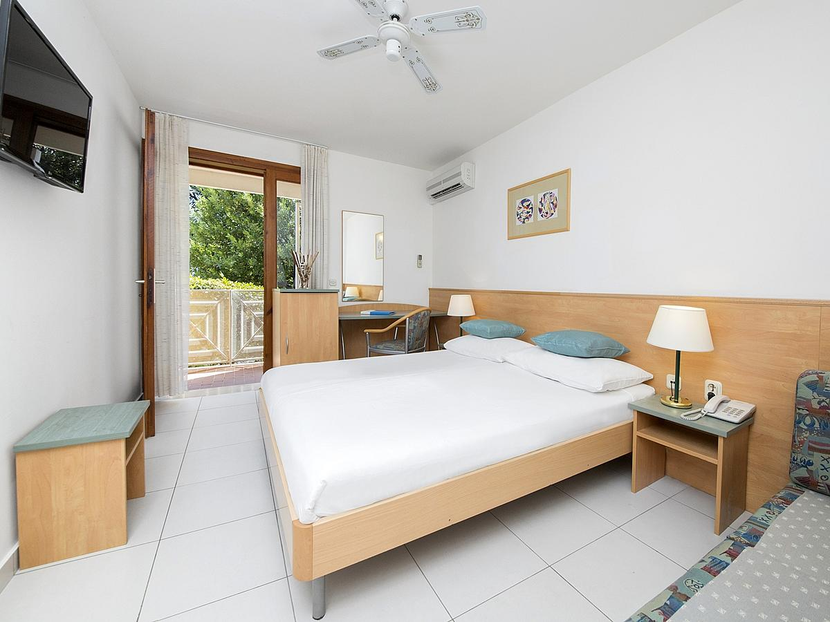 Double room standard sea side with balcony,all inclusive