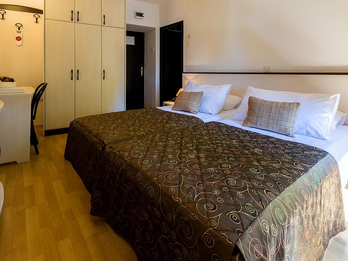 Double room economy, halfboard