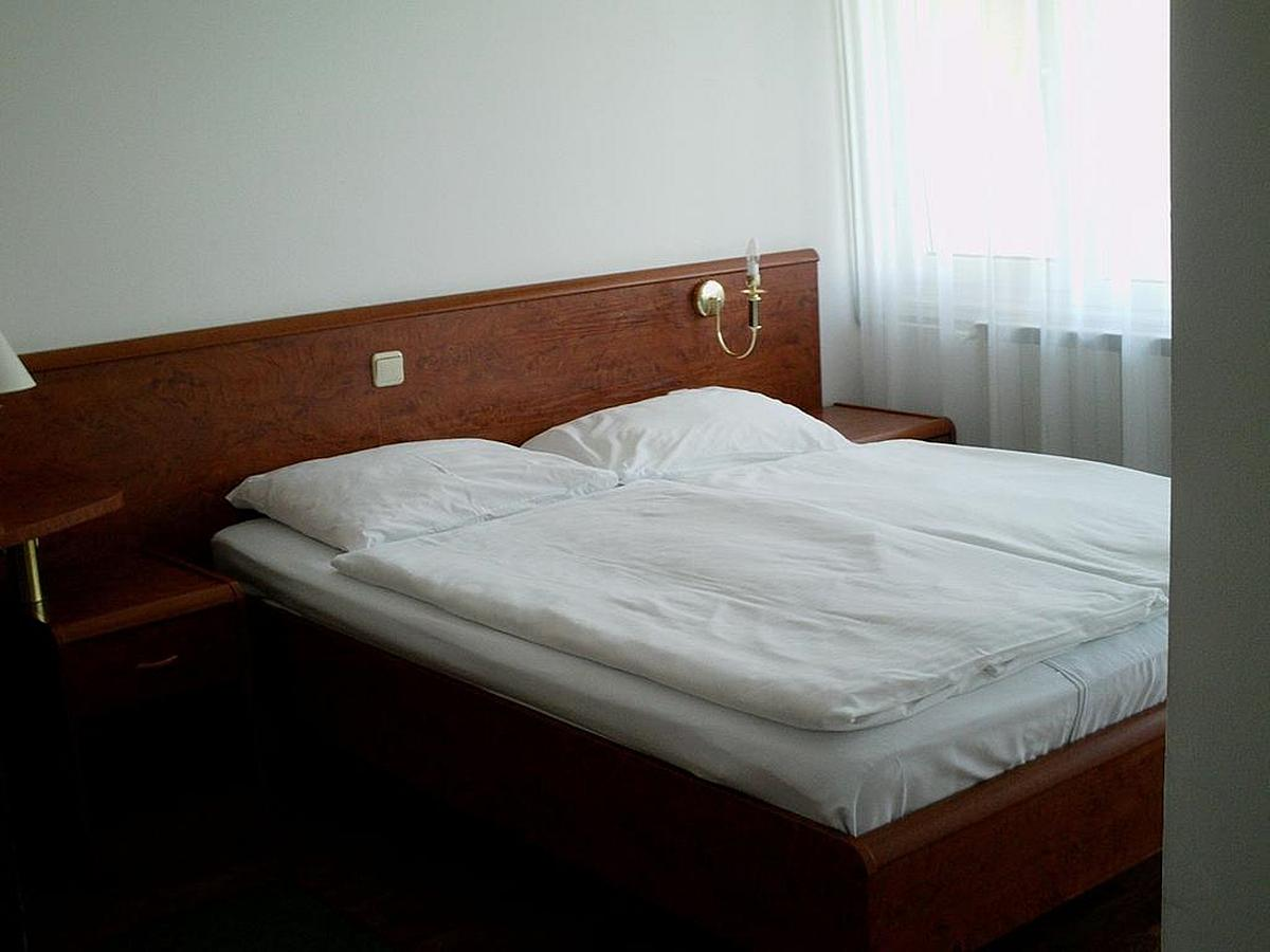 Double room park side with bed and breakfast