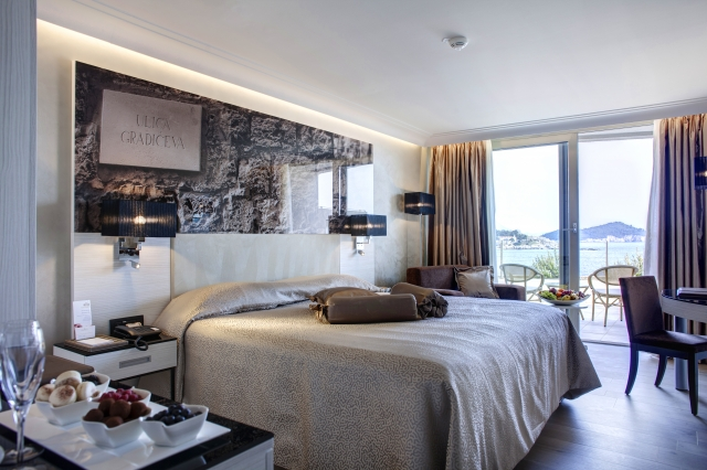 Superior double room sea side with balcony and bed and breakfast