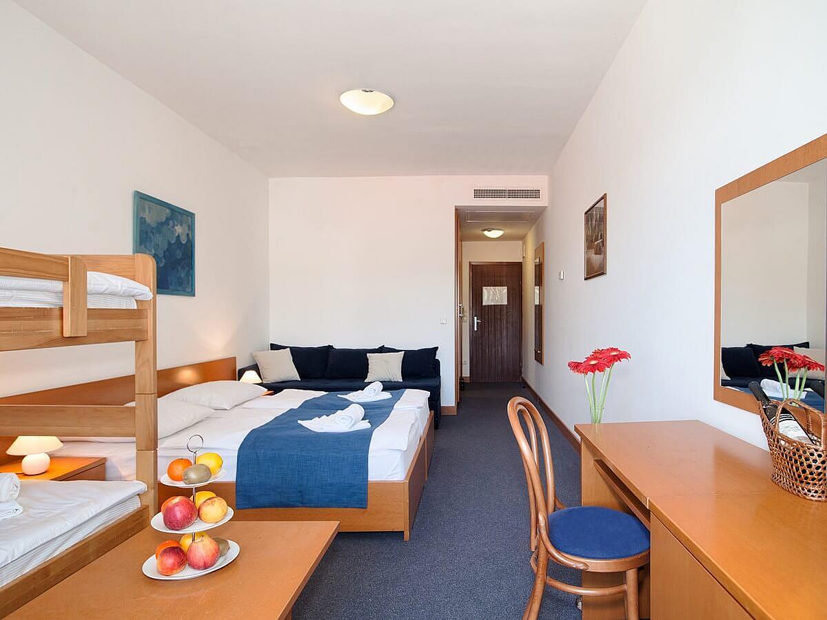 Chambre double annex  côté mer +  3 lit supplémentaire