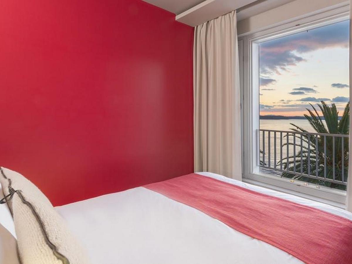 Double room superior, sea view, single use bed&breakfast