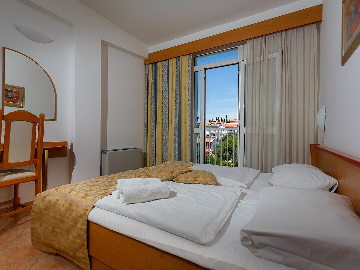 Double room,standard park view with half board