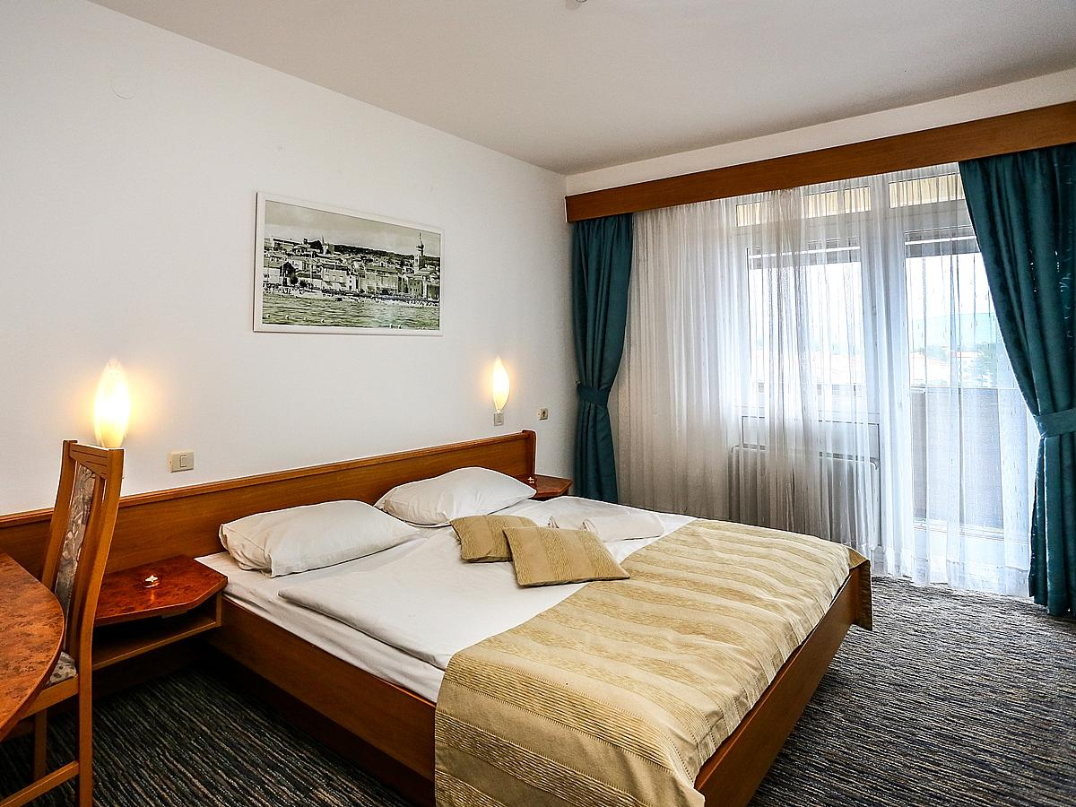 Double room sea view with balcony and half board