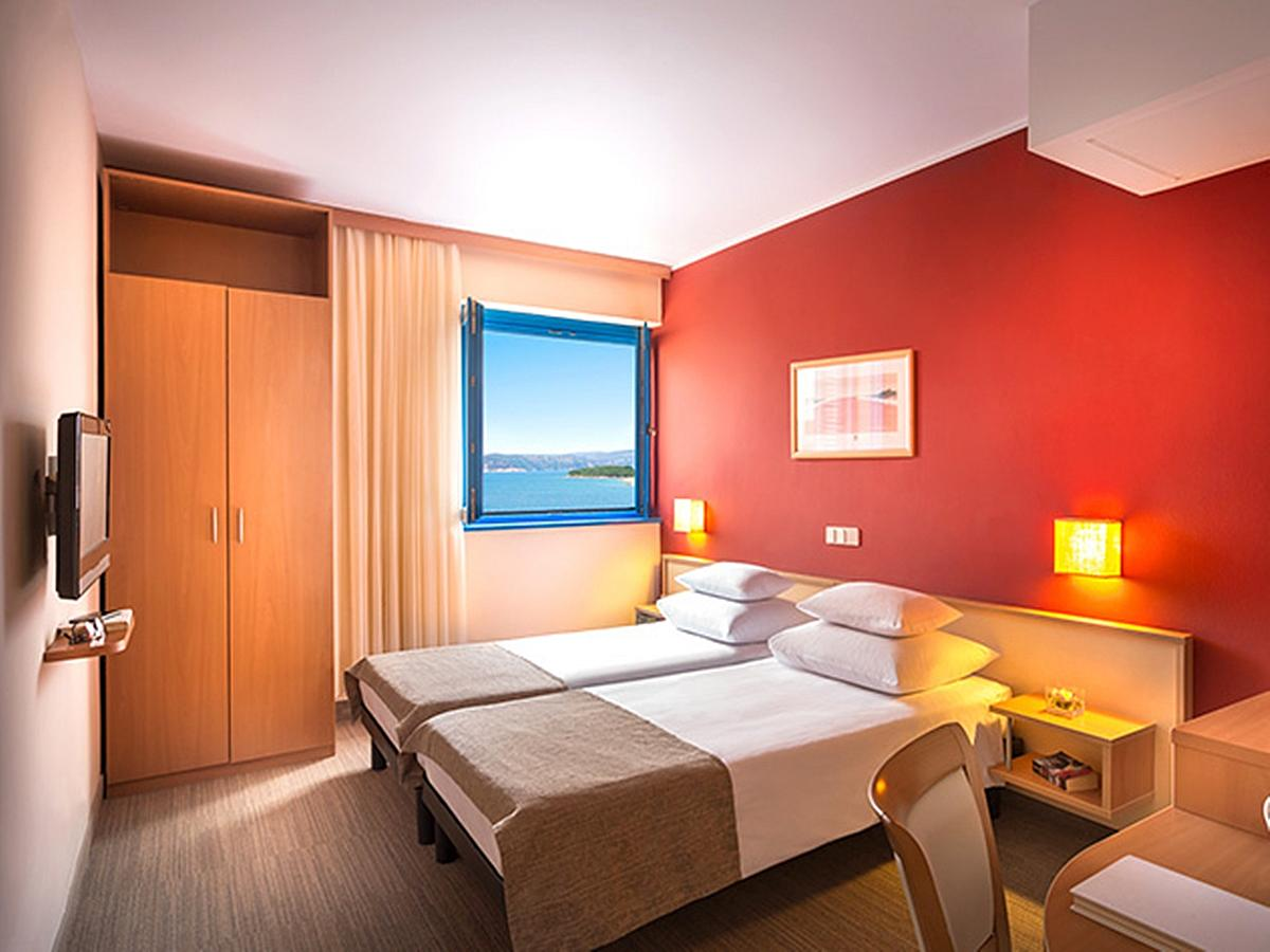 Double room classic sea side with half board