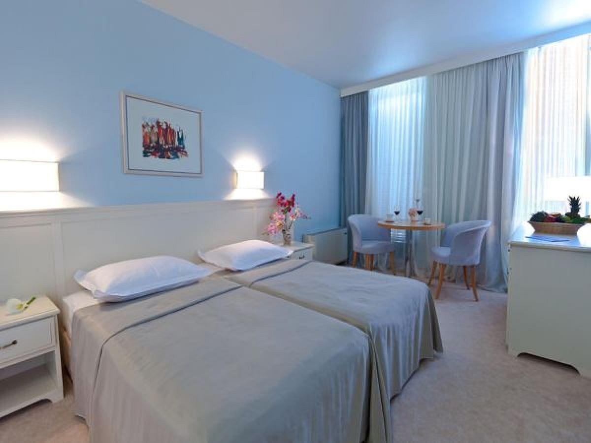 Two double rooms superior  with connecting door with extra bed on sea side with balcony and half board
