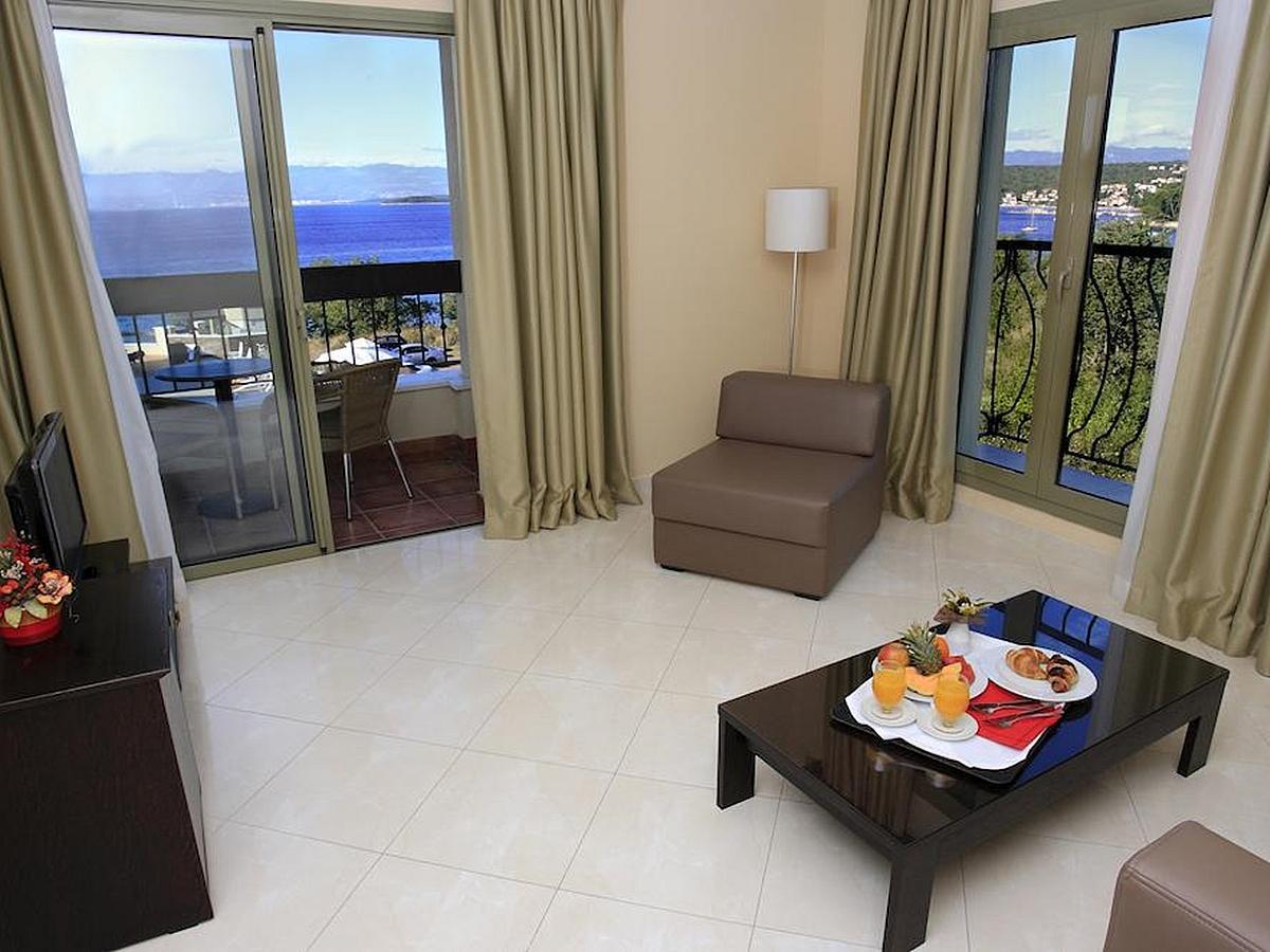 Rodzina Cztery-osobowy suite typu Superior z dostawką, widokiem na morze i śniadanie
