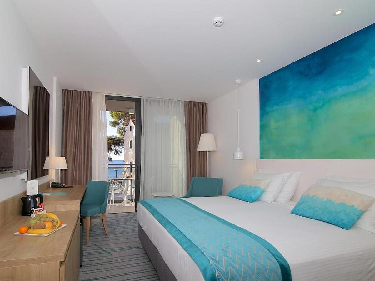 Double room with partial sea view, superior, bed and brakfast