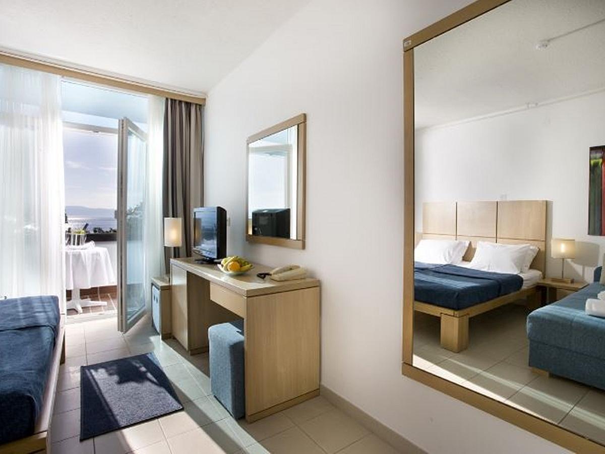 Camera doppia comfort lato mare con balcone BB