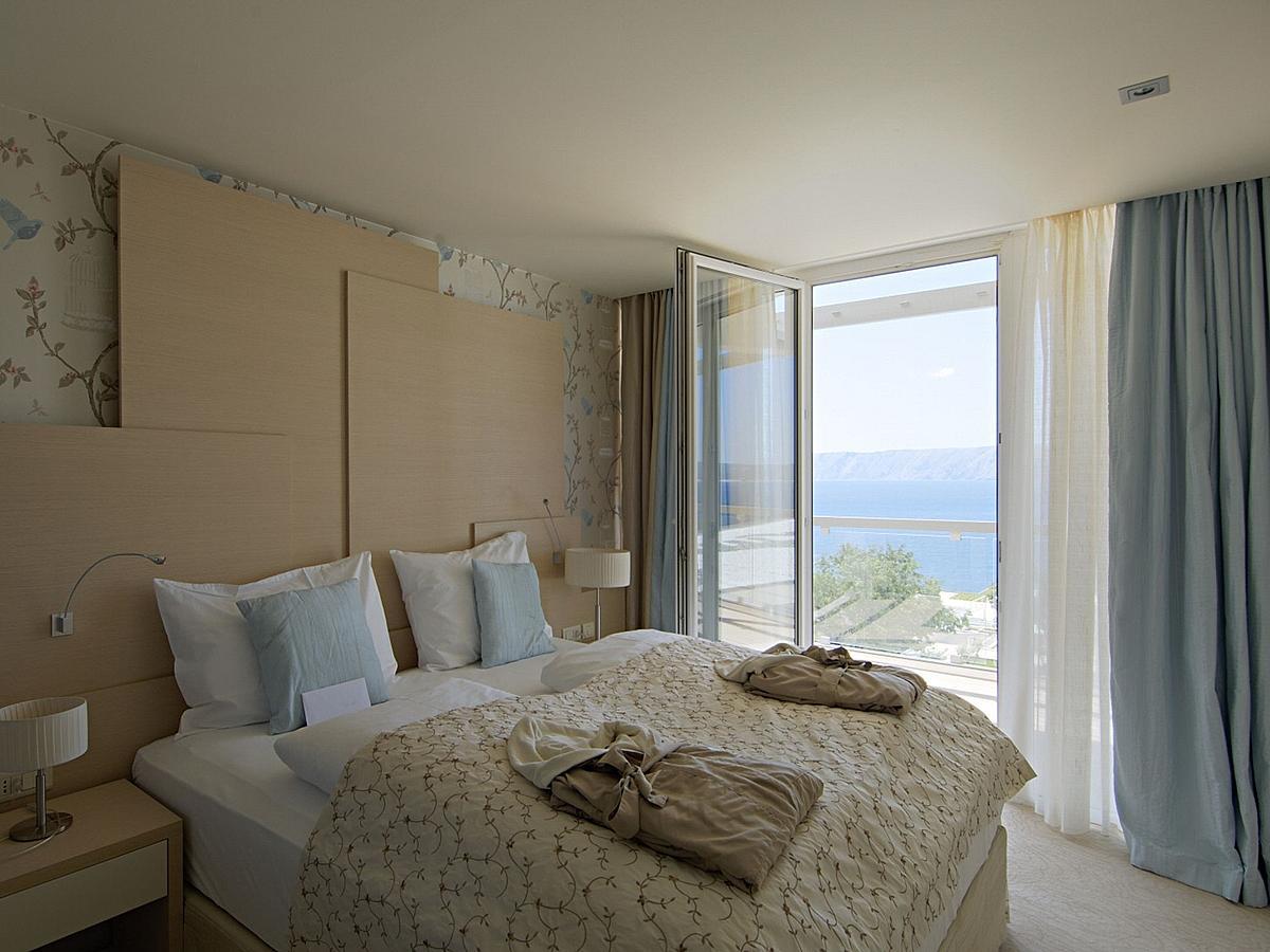 Junior suite tengerre néző, szállás és reggeli