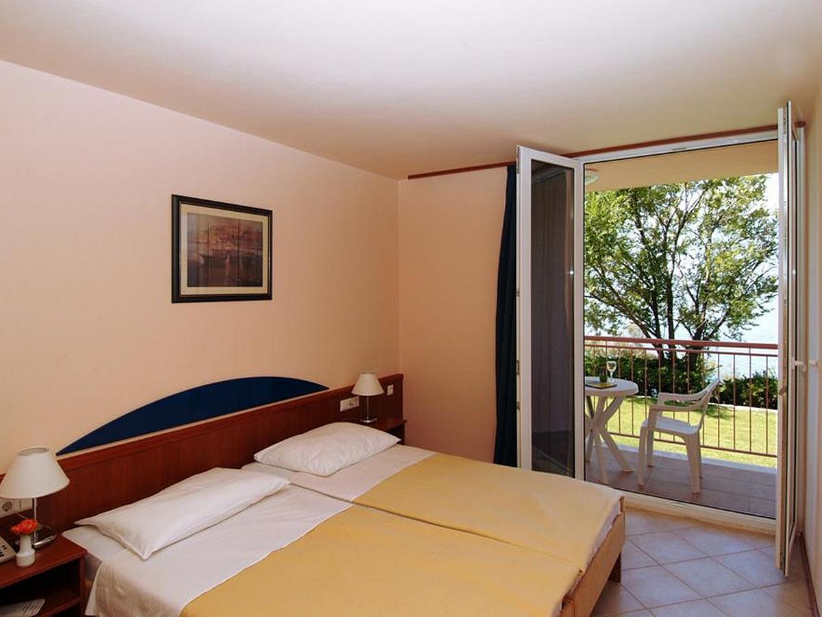 Dvoposteljna soba, morska stran, balkon,  nočitev in zajtrk