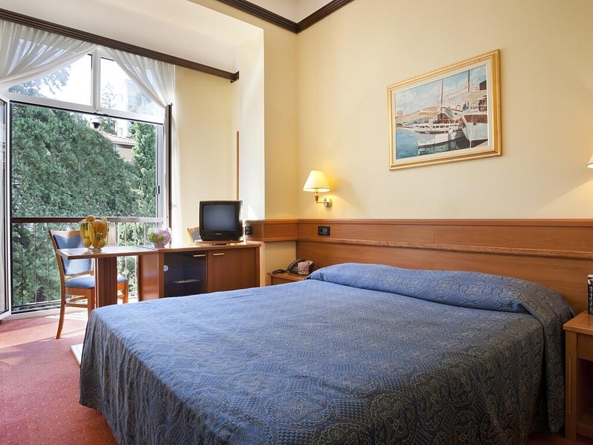 Double room standard street side with half board
