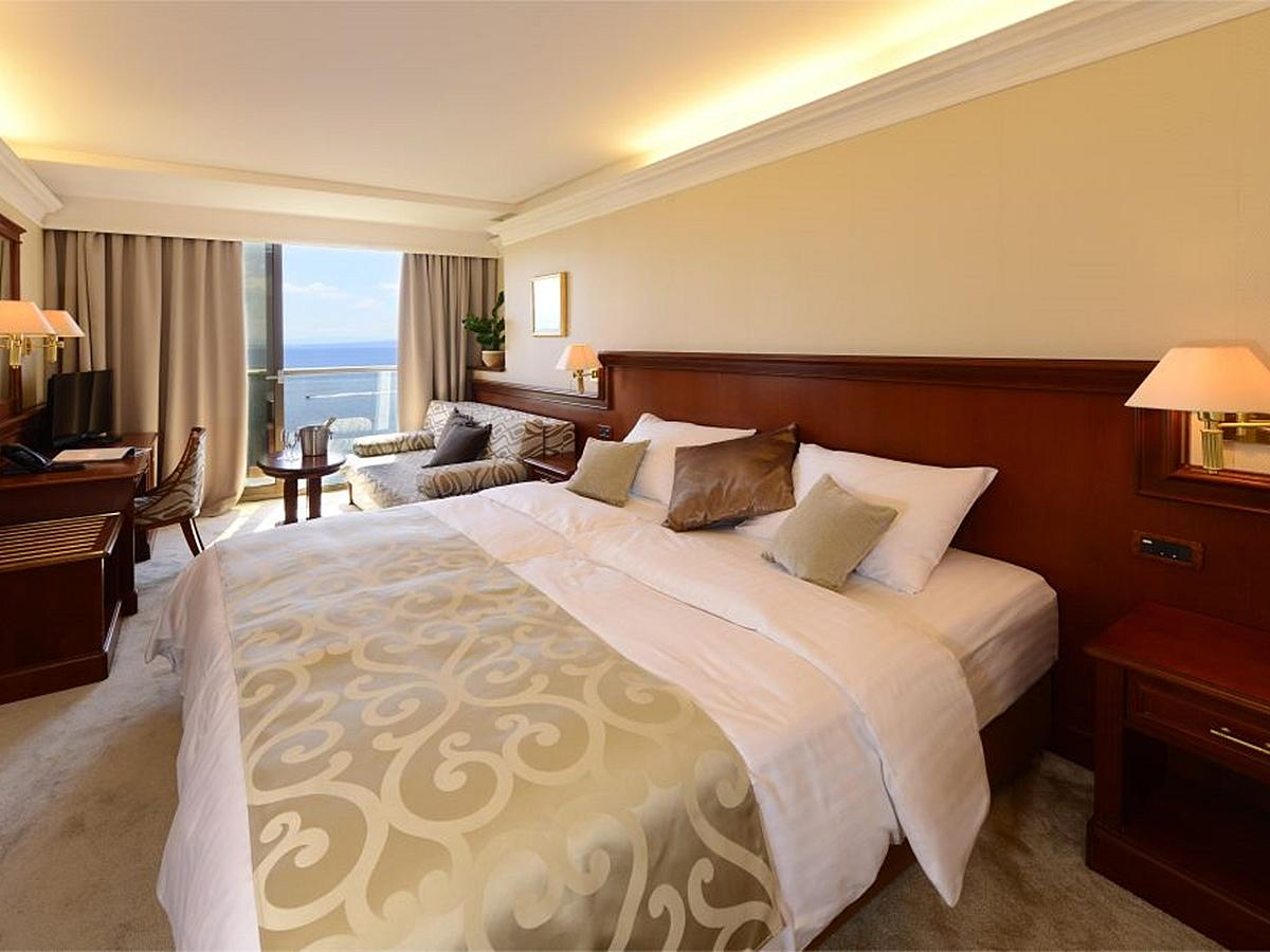 Superior Double room sea side, bed and breakfast