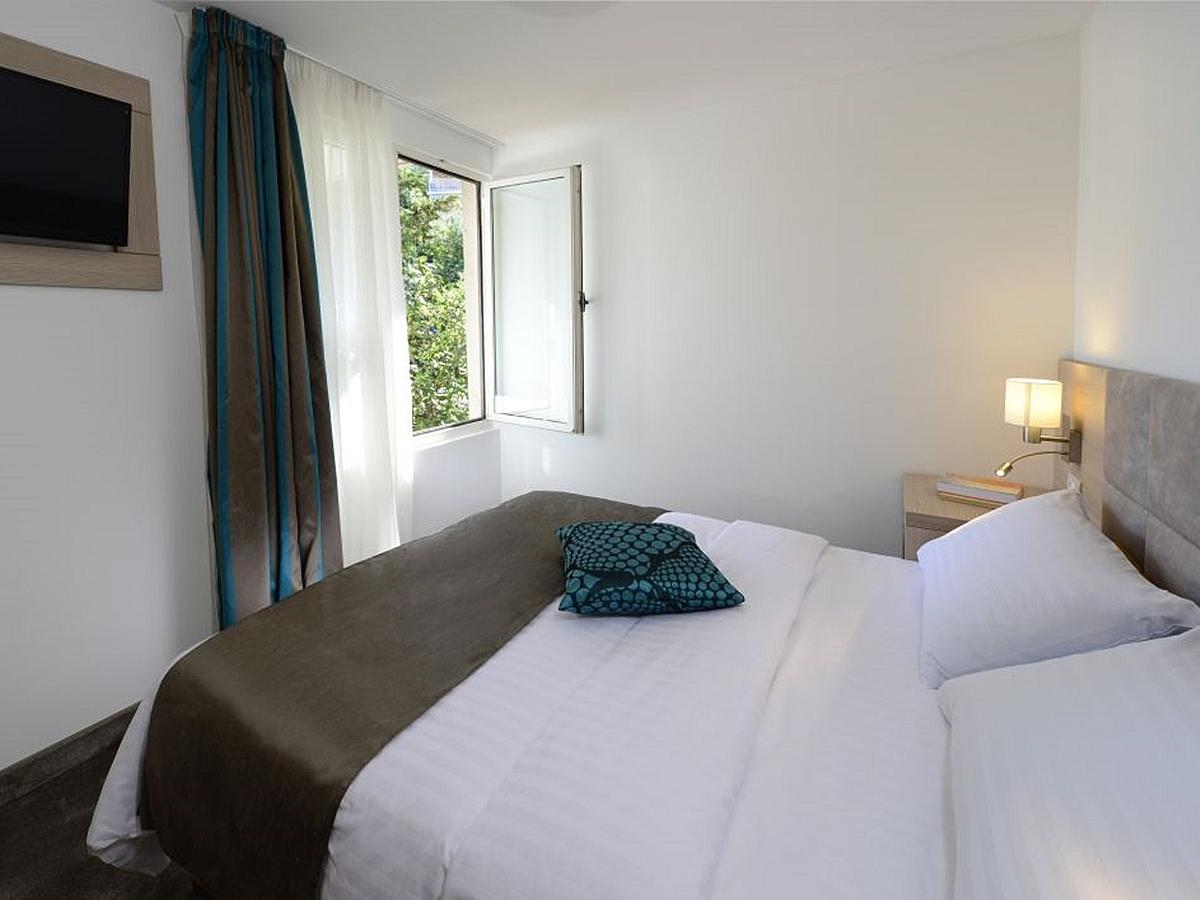Single room standard with bed and breakfast