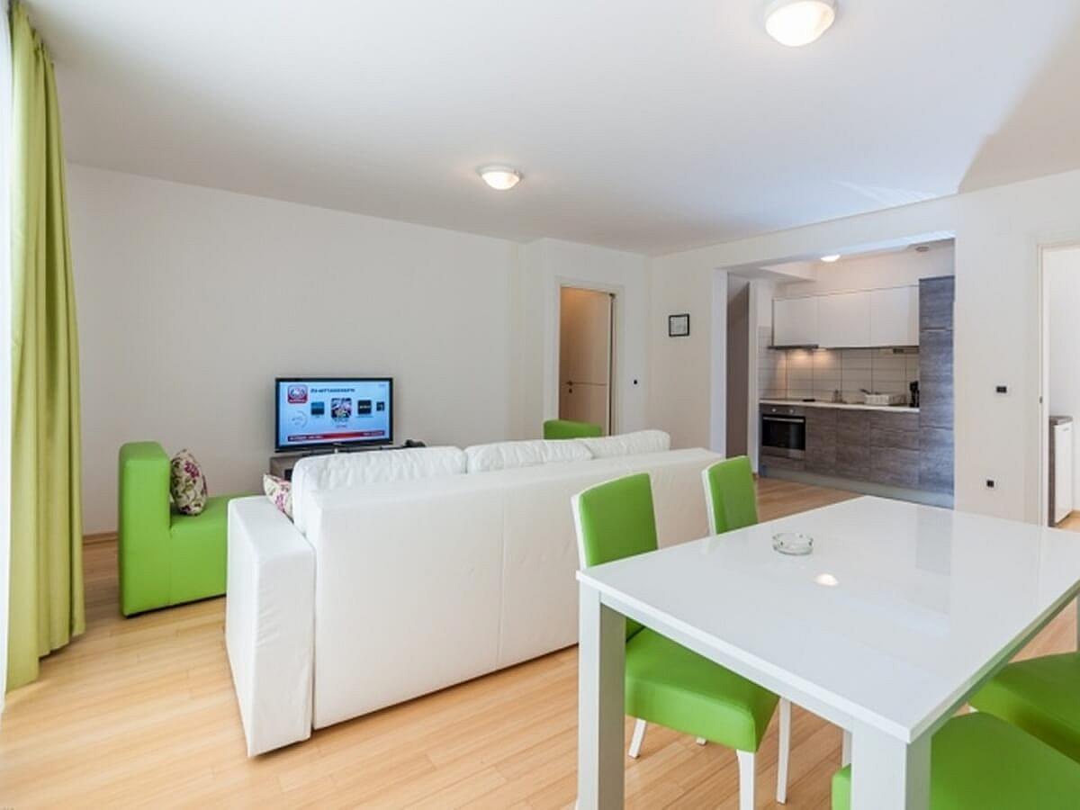 Apartmán pro 2 osoby se 2 pomocnými lůžky (45 m2)