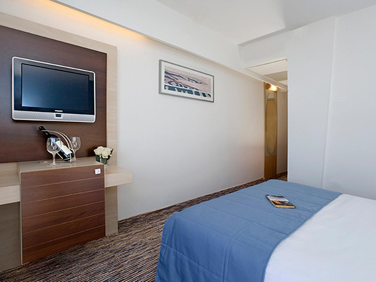 Single room classic half board