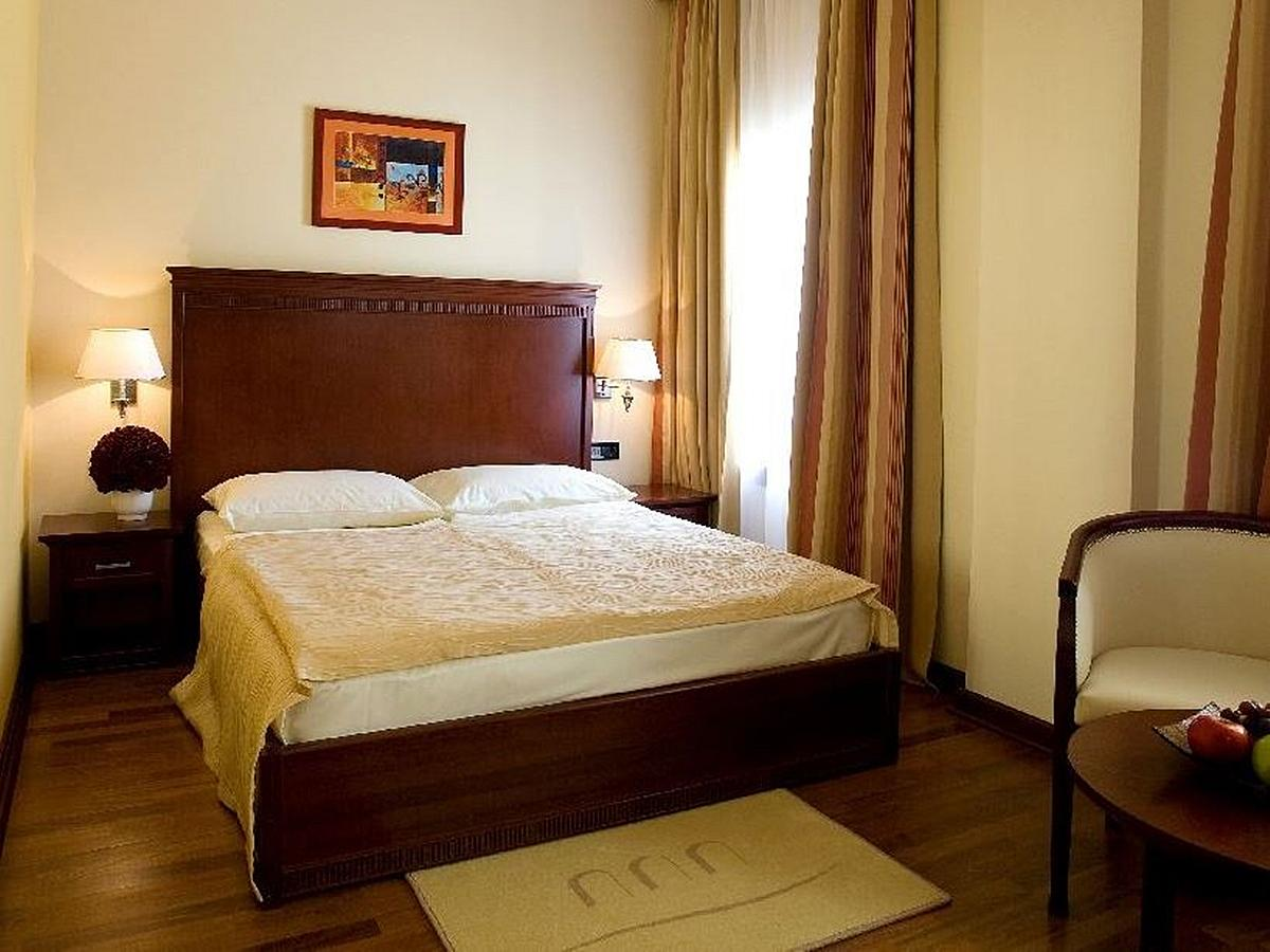 Double room - classic - bed & breakfast