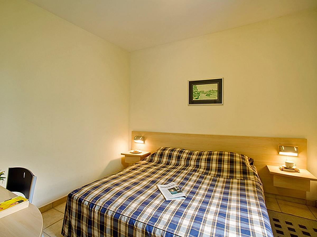 1 bedroom apartment (2-4 persons) - half board