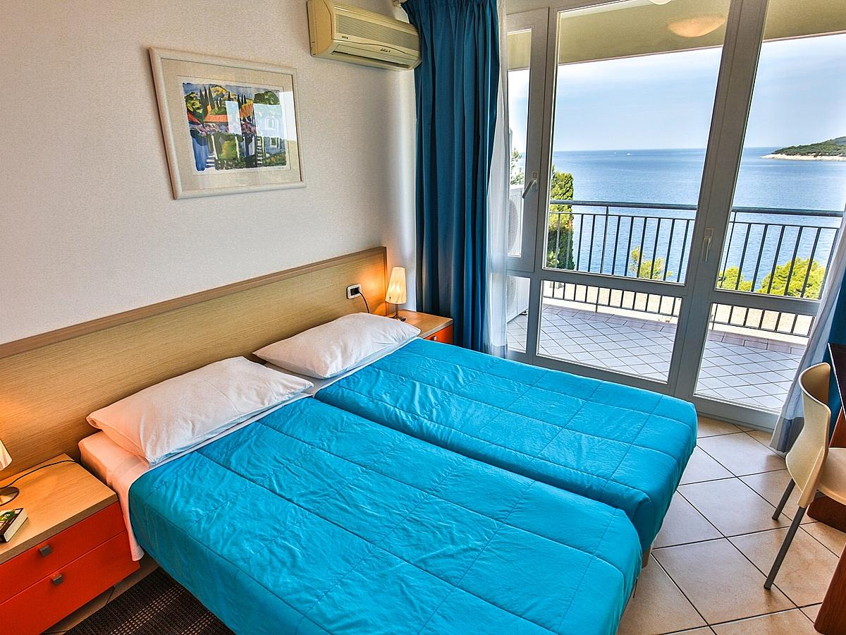 Apartment for 4-6 people sea side