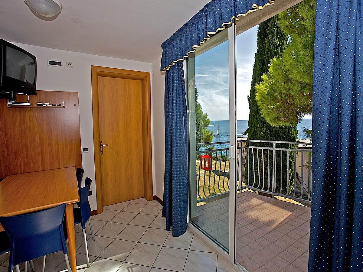 Apartmán pro 2-4 osoby premium boční výhled na moře
