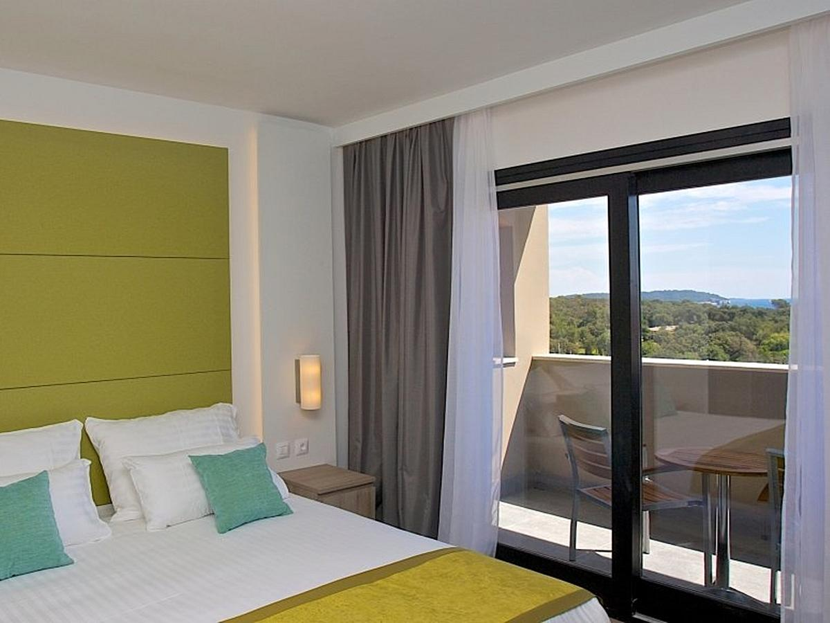 Double room with halfboard,sea side wtih balcony - Part Wing - premium