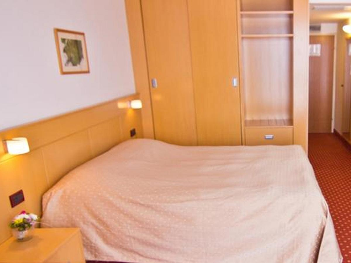 Double room classic sea view with halfboard