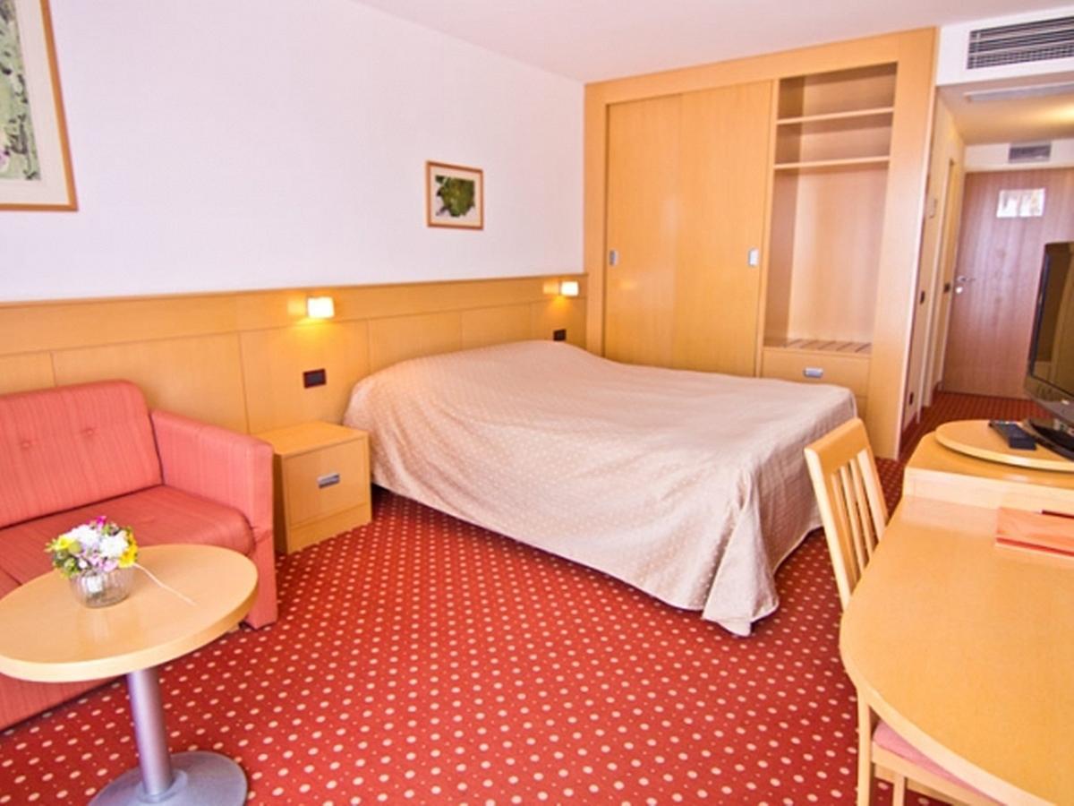 Triple room, classic with half board