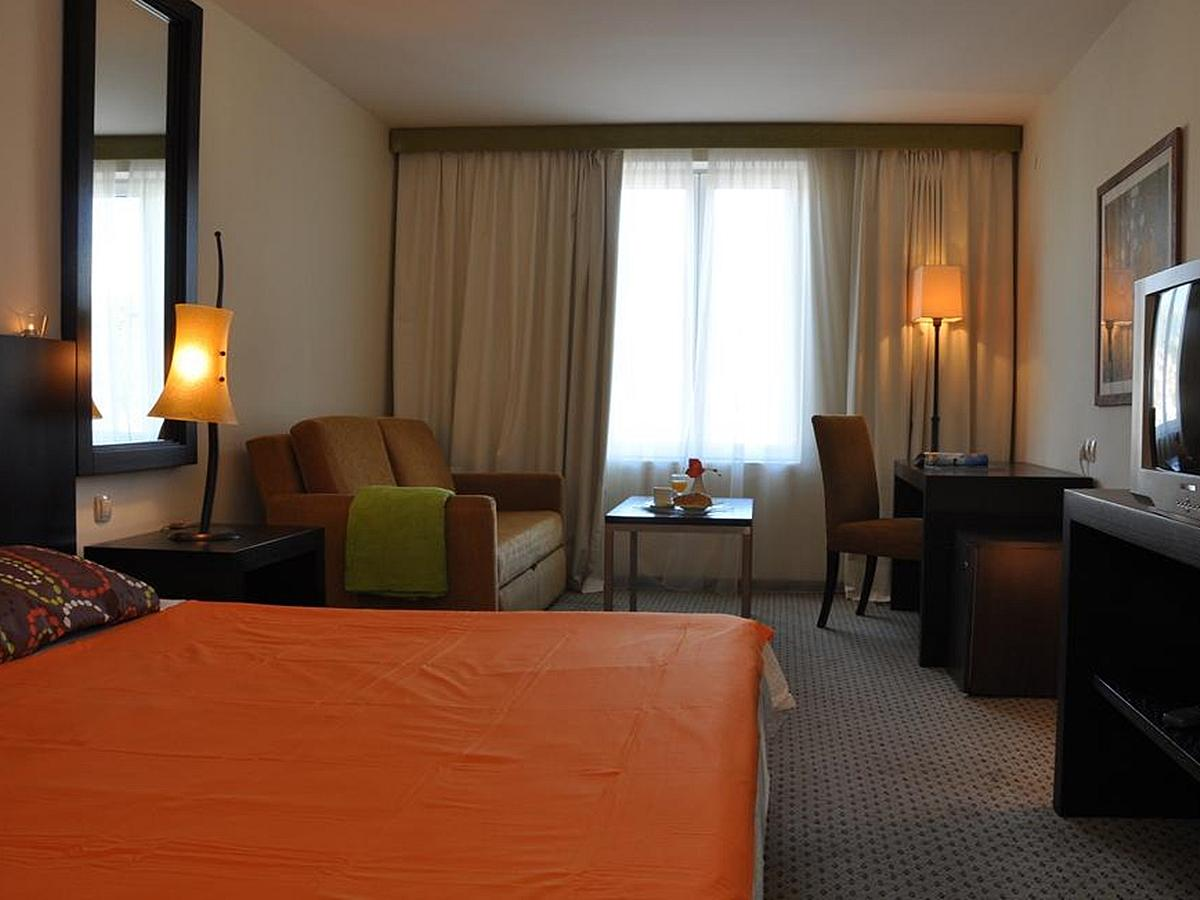 Double room city view with half board