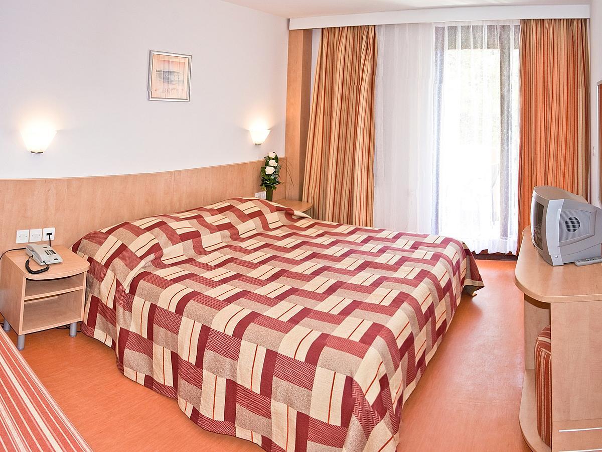 Triple room with balcony and halfboard
