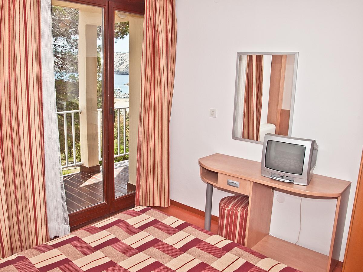 Single room superior with balcony and half board