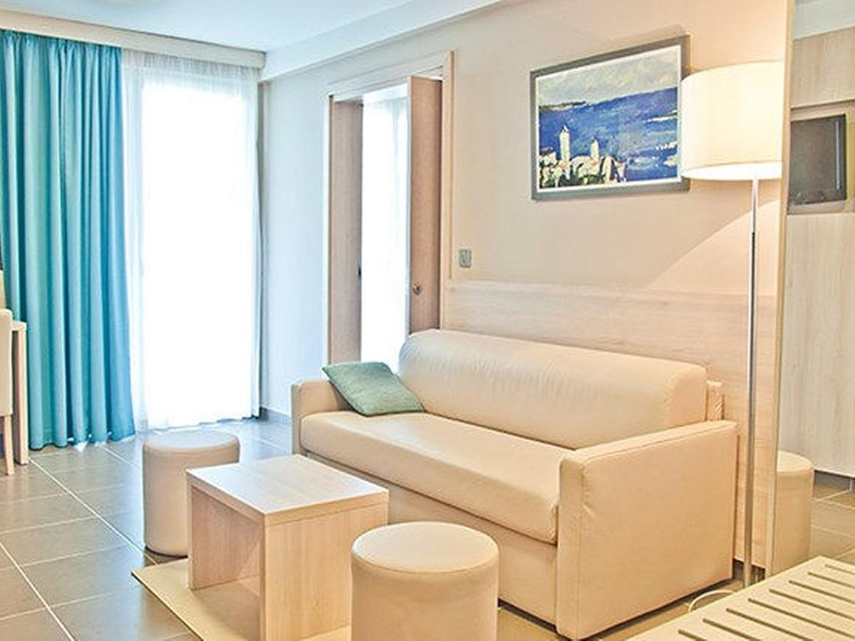 Family superior suite with 2 bedrooms and 2 extra beds with balcony and half board