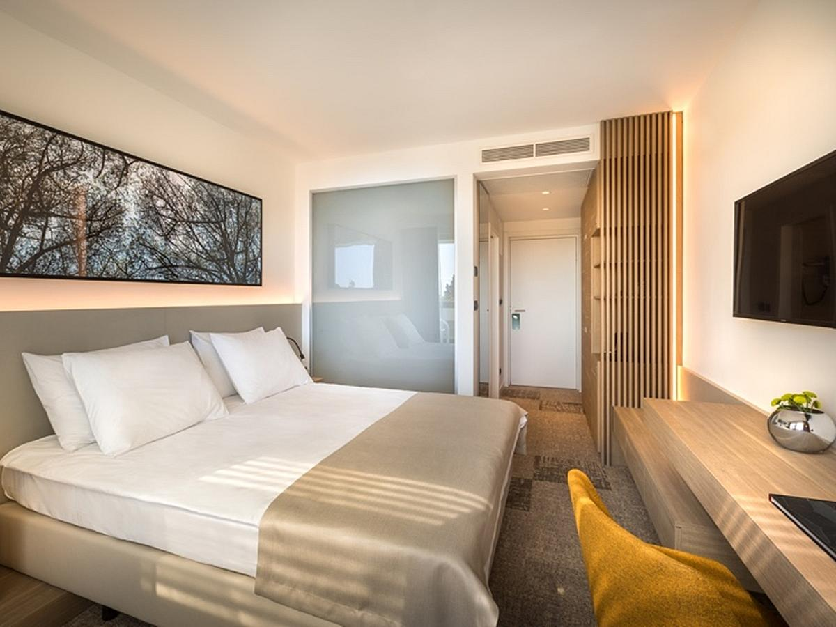 Double room with balcony Superior,bed and breakfast