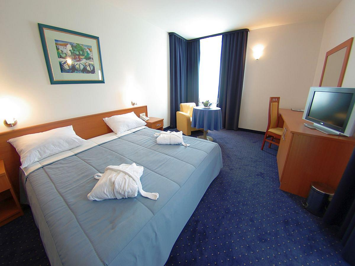 Double room comfort, sea view, single use with bed&breakfast
