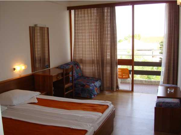 Double room sea side with half board