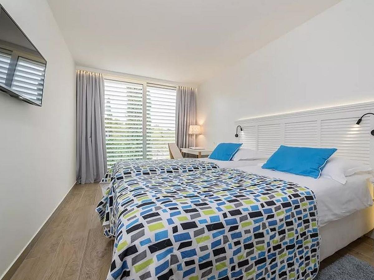 Two double next door rooms with balcony with courtyard or garden view bed and breakfast service