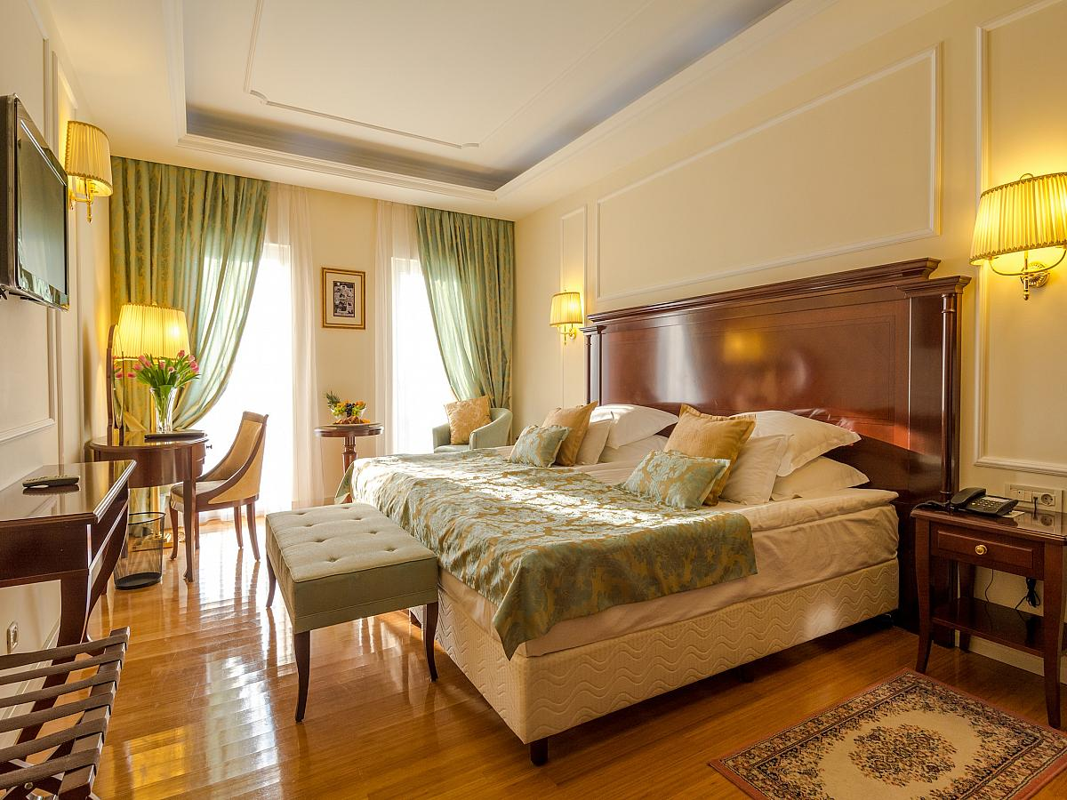 Double room Deluxe - bed and breakfast