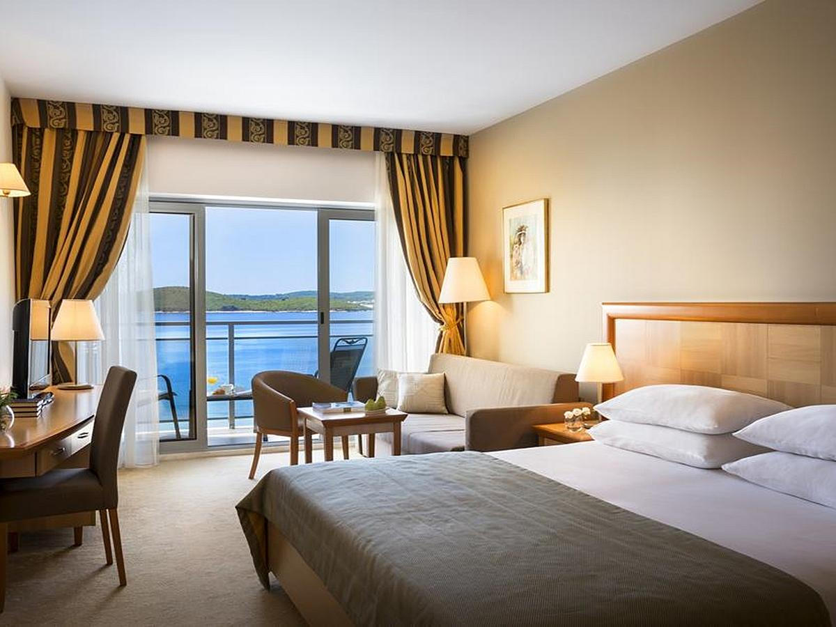 Junior Suite se 2 pomocnými lůžky light all inclusive