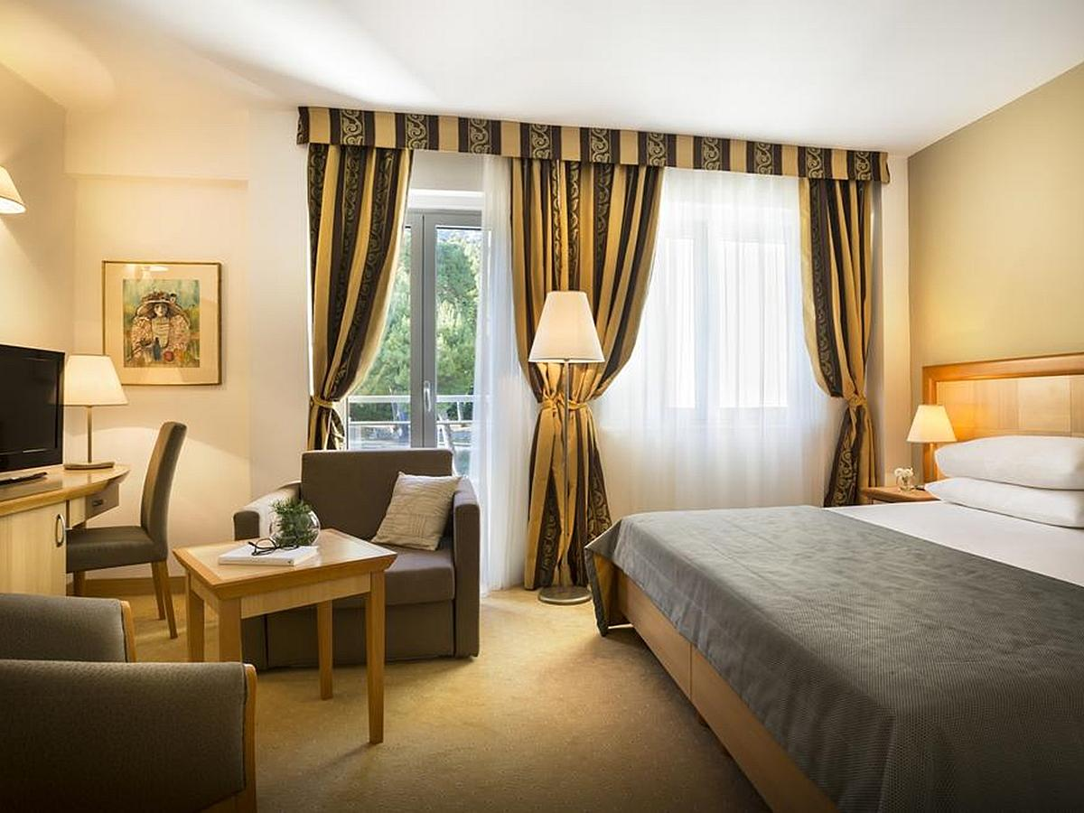 Double room superior park side  light  all inclusive