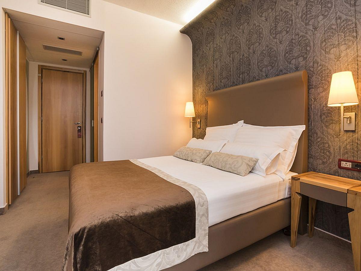 Dvoulůžkový pokoj, classic, strana k moři,balkónem   s francouzským lůžkem s polopenzí