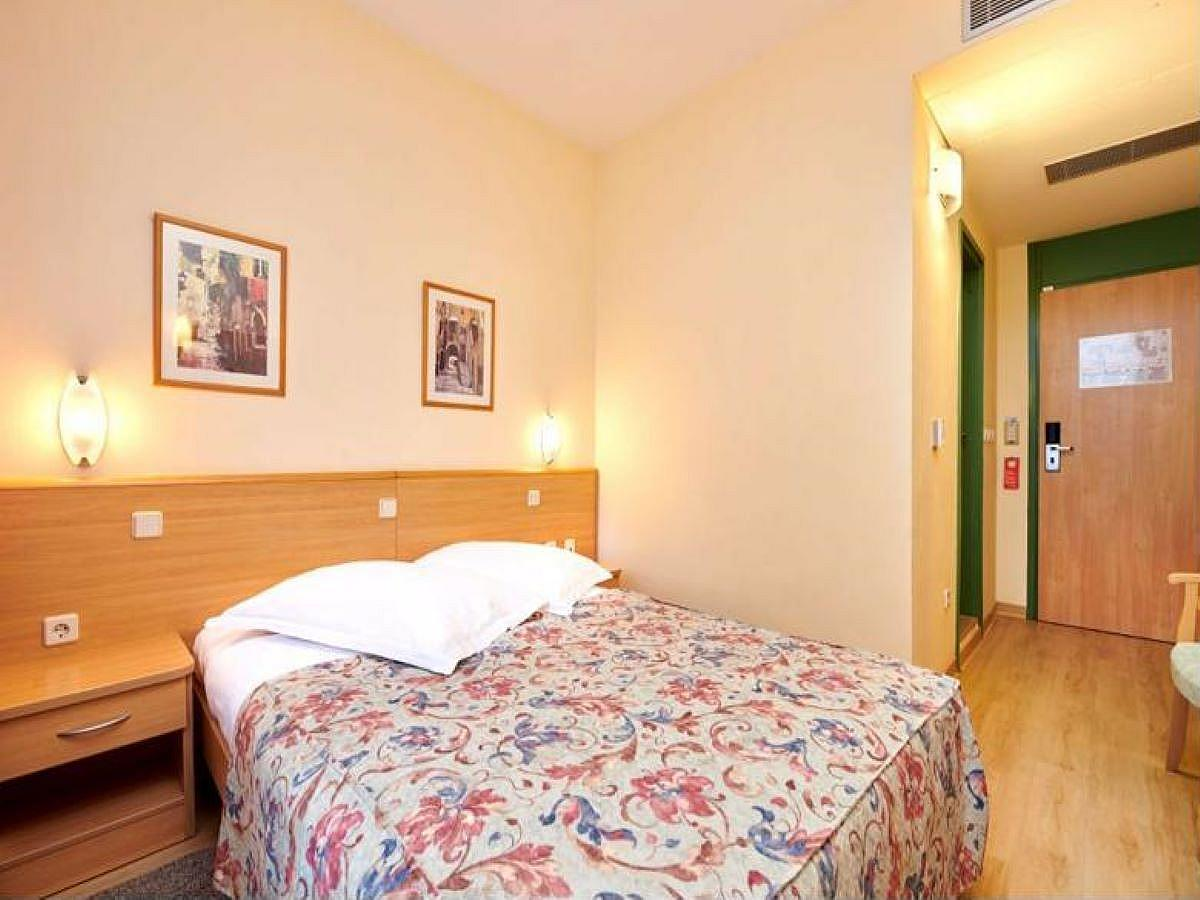 Double room economy park side, with balcony - french bed, all inclusive