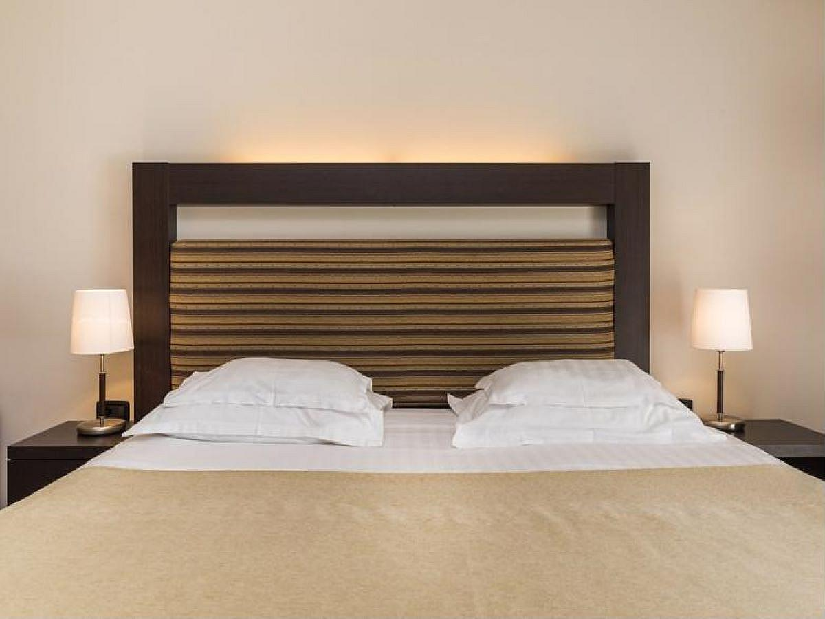 2 connected double premium rooms only one with one help bed, with balcony sea side - half board
