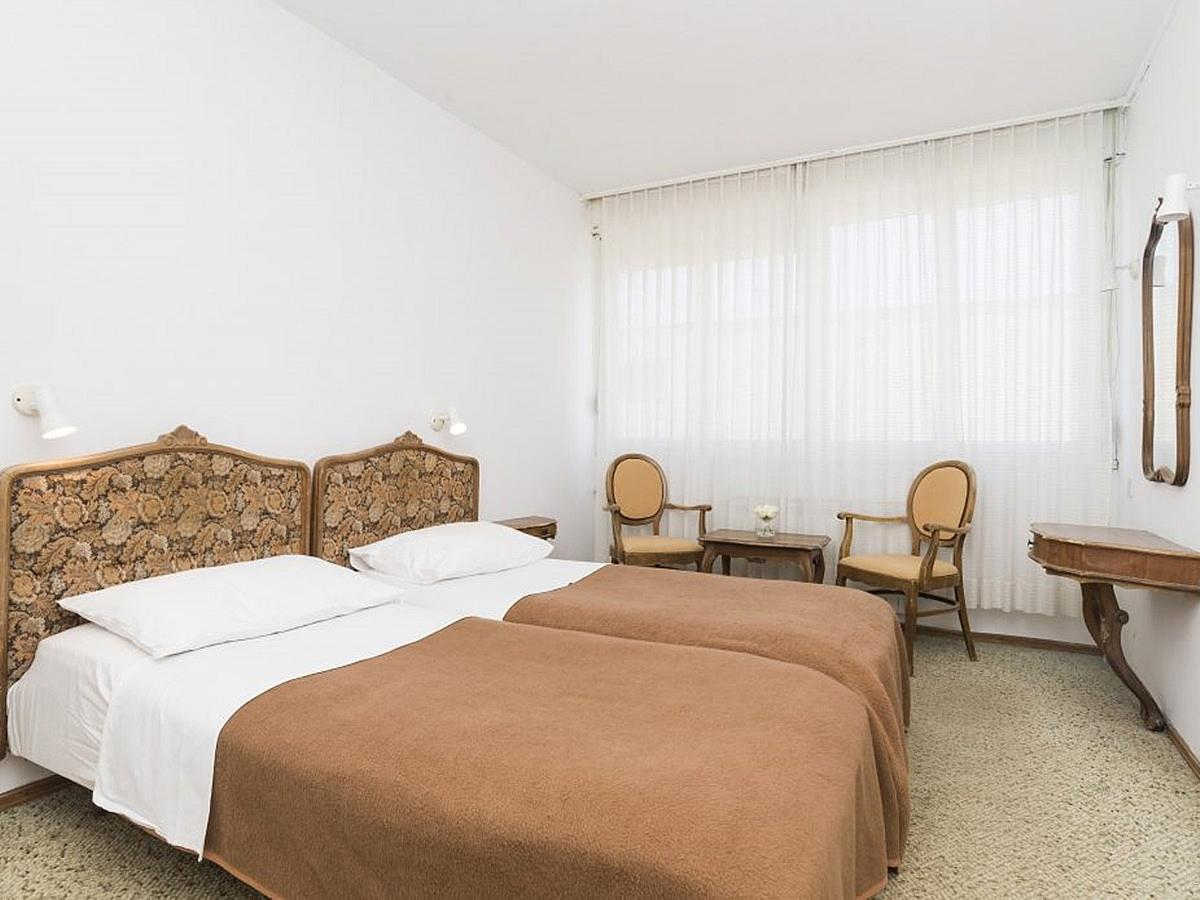 Double room park side with extra bed with halfboard