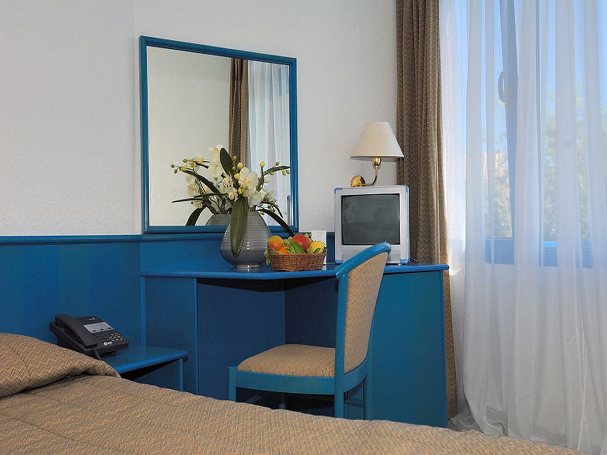 Pokój dwuosobowy standard strona morska z balkonem,all inclusive