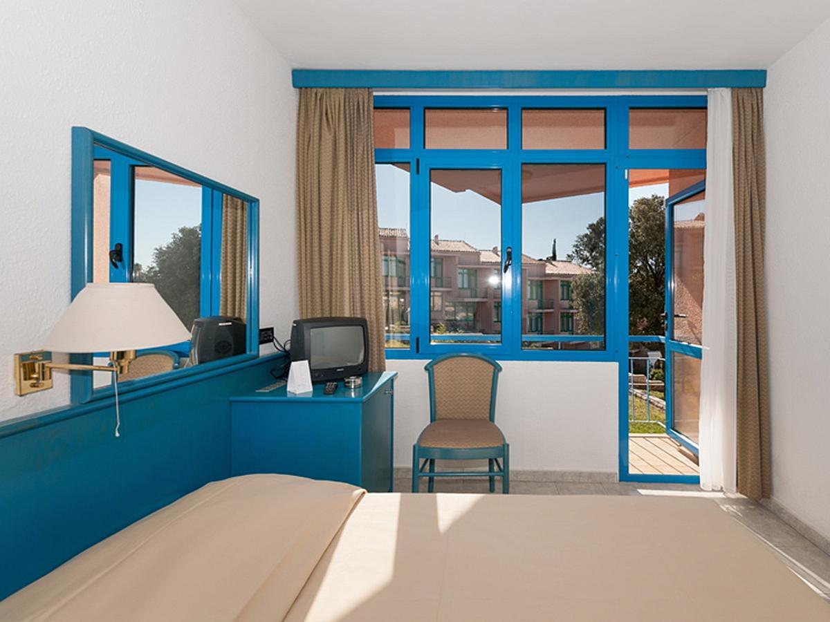 Single room sea side with balcony - all inclusive