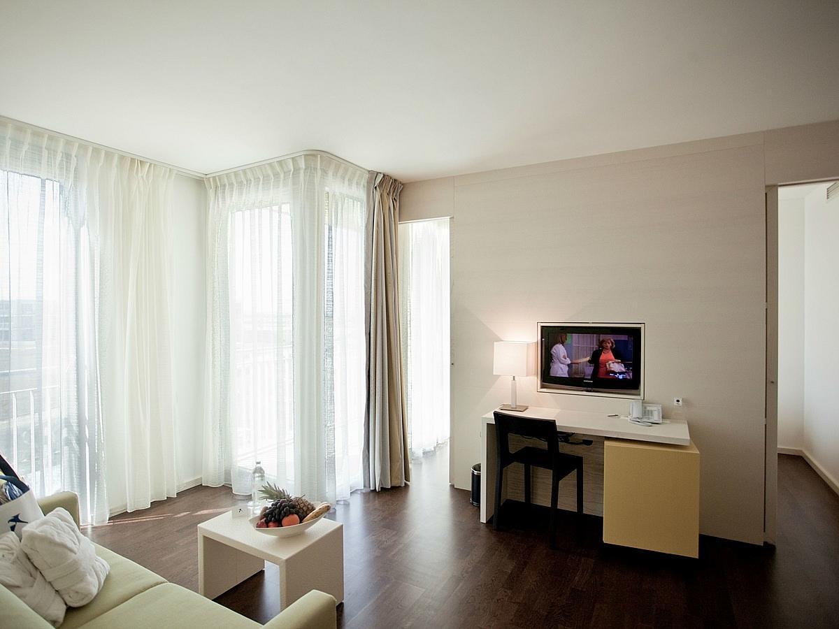 Dvokrevetna soba s 3 pomoćna ležaja, family suite puni pansion