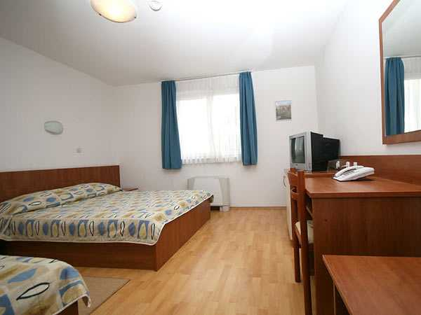 Double room as single use, bed & breakfast