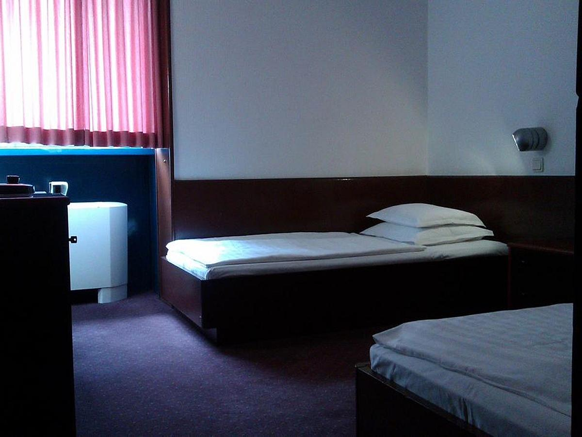 Double room economy, bed and breakfast