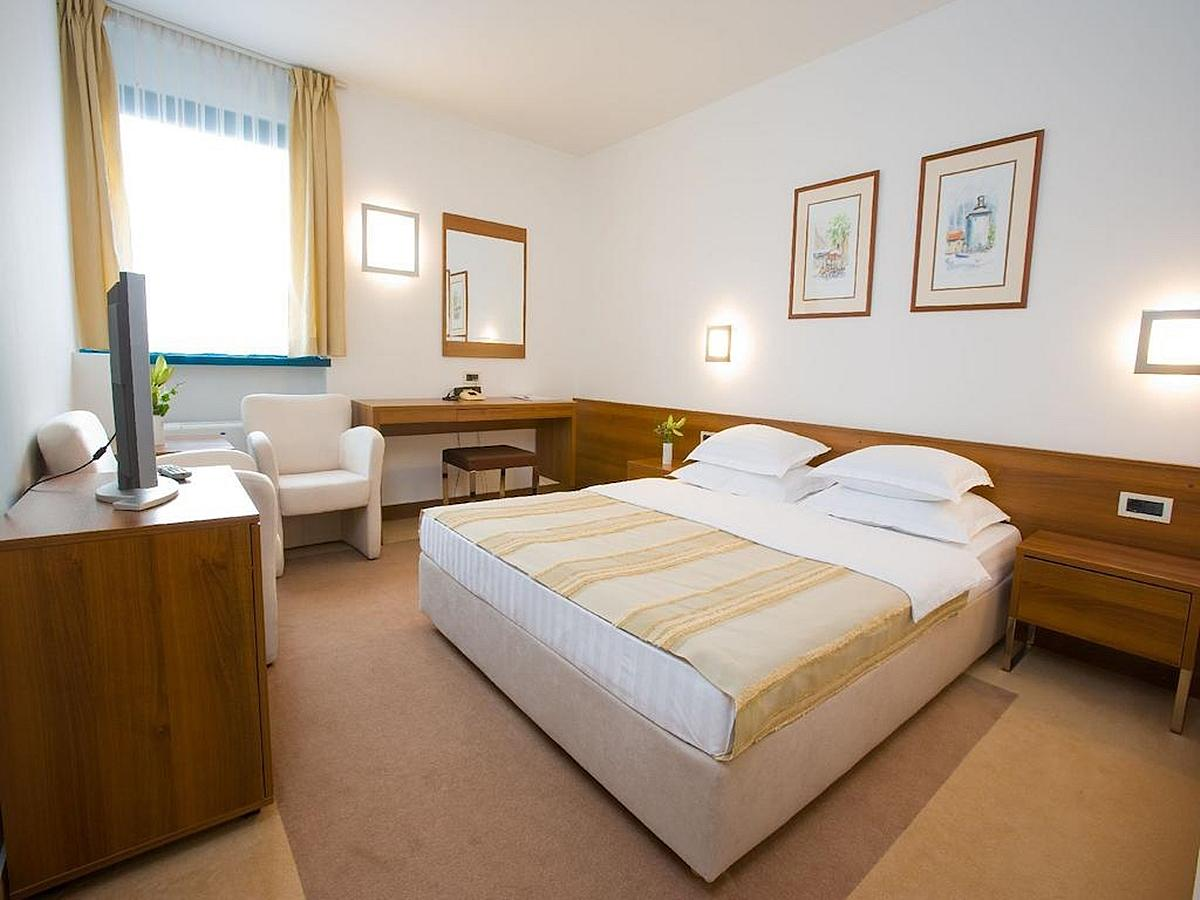 Double room with bed and breakfast - Standard